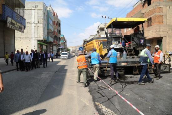 Eyyübiye'de asfaltlama çalışmaları sürüyor