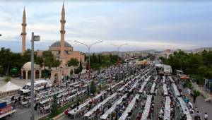 Eyyübiyeliler Kardeşlik Sofrasında Buluştu