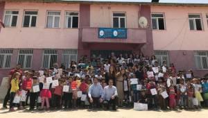 Her Yıl 1 Okyanus Projesiyle Köy Okuluna Kütüphane