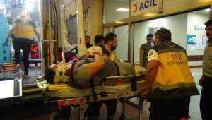 Kafa kafaya çarpışan iki otomobildeki 4 kişi yaralandı