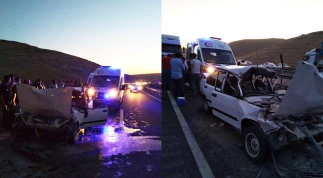 Şanlıurfa'da otomobil ile kamyon çarpıştı: 6 yaralı