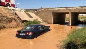 Şanlıurfa'da otomobil kanala devrildi: 5 yaralı