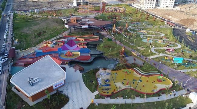 Urfa'da İlk Olan Çocuk ve Gençlik Oyun Dünyası Açıldı