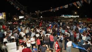Urfa ve Siverek'te AK Parti'lilerin Seçim Kutlamalar
