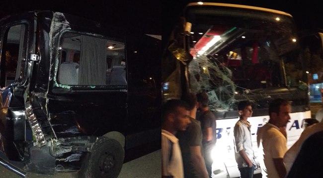 Yolcu otobüs ile minibüs çarpıştı