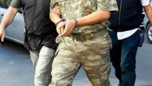 12 Muvazzaf Asker Yakalandı