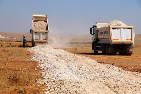 Akçakale kırsalındaki stabilize yol ağı genişliyor