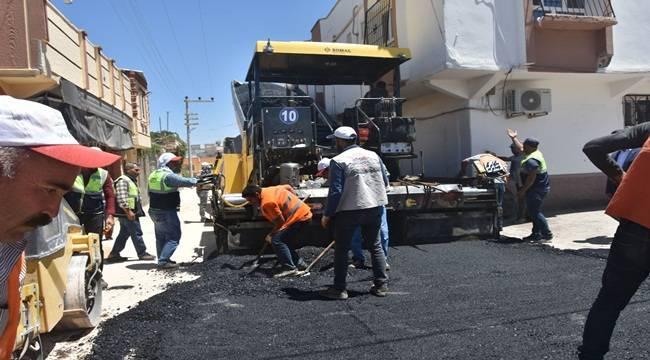 Ceylanpınar Gazi Caddesi'nde Asfalt Serimi Başladı