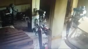 Cezaevi Firarisinin Hırsızlığı Kamerada
