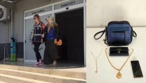 Dilenci Kılığındaki 2 Kadın Yakalandı