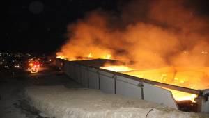 Şanlıurfa OSB'de Korkutan Yangın, 2 Yaralı