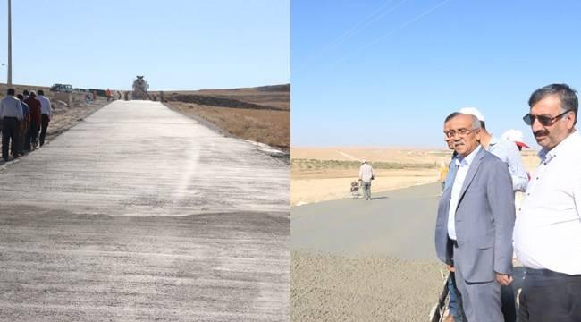 Açar, beton yol çalışmalarını inceledi