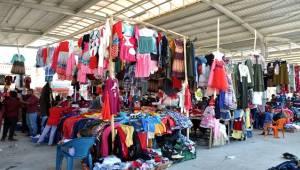 Akçakale'de Alışveriş Yoğunluğu