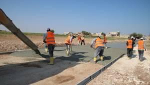 Akçakale'de beton yol uygulaması başladı