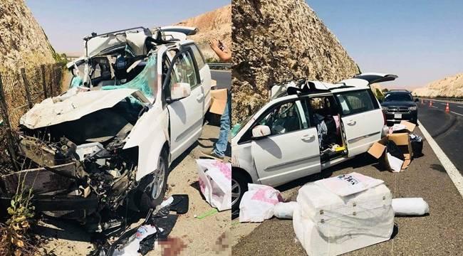Iraklıların içinde bulunduğu araç tıra çarptı, 5 yara