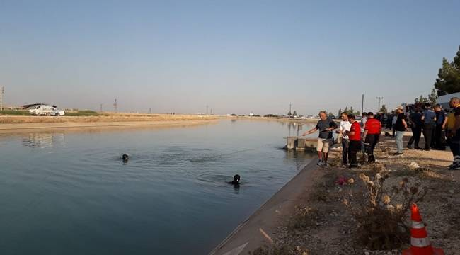 Pikap Sulama Kanalına Uçtu