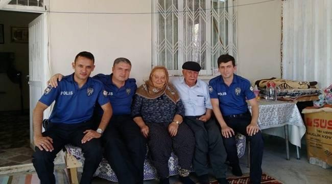 Polisler Şehit Ailesini Ziyaret Etti