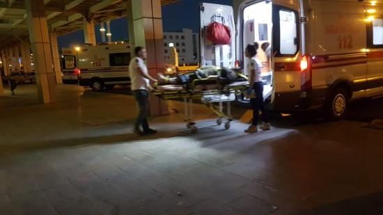 Şarampole devrilen otomobildeki 3 kişi yaralandı