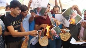 Semt pazarı esnaflarından ABD'ye dolar protestosu