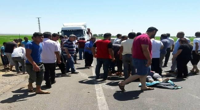 Suruç'ta 2 Otomobil Motosiklet ile Çarpıştı 6 Yaralı