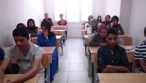 Üniversiteye Hazırlık Kursları Devam Ediyor