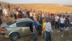Yolcu minibüsü otomobil ile çarpıştı: 10 yaralı