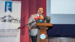 Başkan Çiftçi Dünya Konferansında Urfa'yı Tanıttı