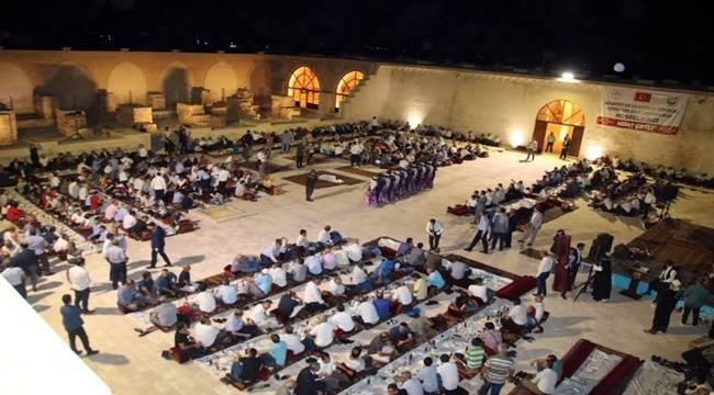 Belediye Başkanlarına Urfa Sıra Gecesi Düzenlendi