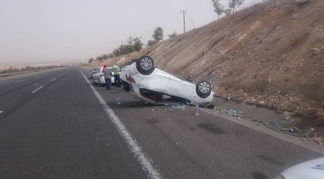 Birecik'te Otomobil Devrildi 4 Yaralı