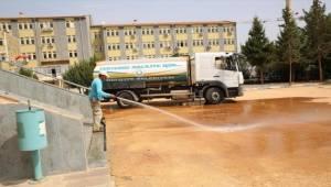 Haliliye Belediyesi Okulları Temizleniyor