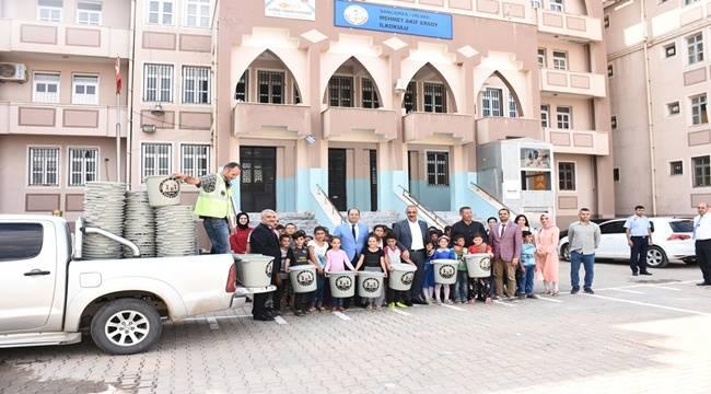 Hilvan'da 600 Adet Çöp Kovası Dağıtıldı