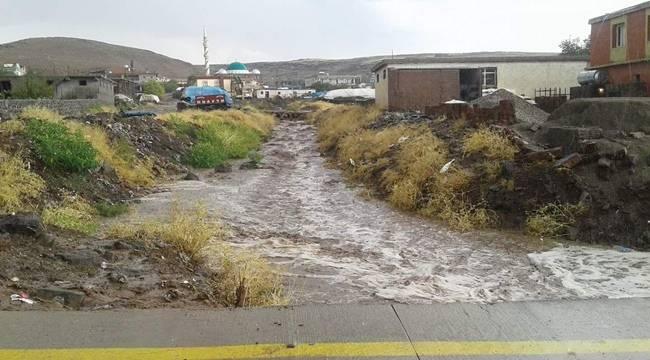 Karaköprü ve Siverek'te Yağış Etkili Oldu