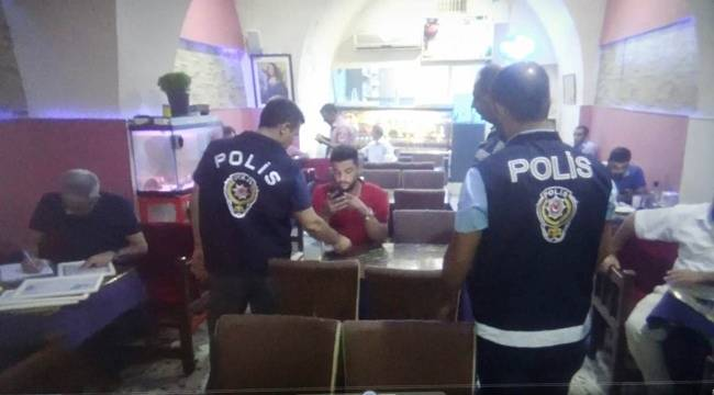 Okul Çevrelerinde Asayiş Berkemal 4 Gözaltı