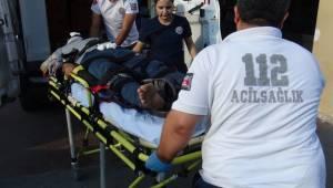 Otomobil ile Motosiklet İle Çarpıştı 2 Yaralı