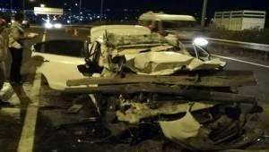 Otomobil Kamyonet Arkadan Çarptı 1 Ölü