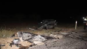 Otomobiller Kafa Kafaya Çarpıştı 6 Yaralı