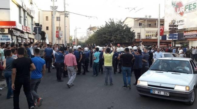 Urfa'da Gösteri Gerginliği Gözaltılar Var