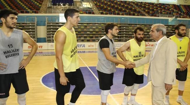 Demirkol'dan Haliliye Basketbol Takımına Ziyaret