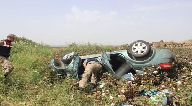 Otomobil Tarlaya Uçtu 5 Yaralı