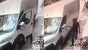 Park Halindeki Minibüste Hırsızlık