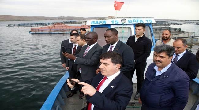Uganda Büyükelçisi Stephen Mubiru Birecik'i Ziyaret Etti