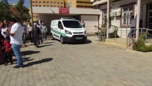 Urfa Akçakale Yolunda Kaza 1 Ölü 3 Yaralı