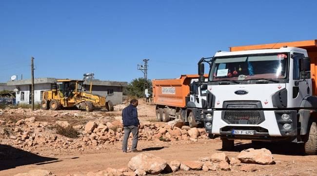 Viranşehir'de 3 Mahallede Yol Çalışması Başladı