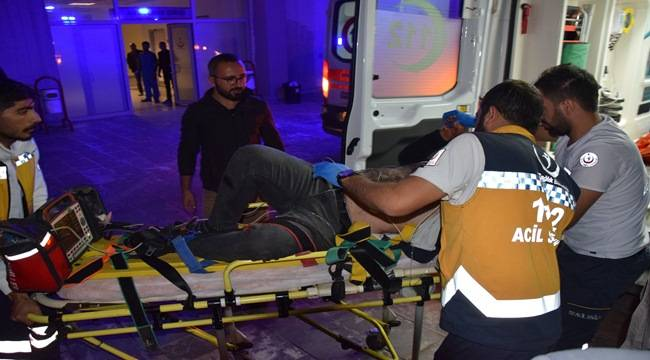 Yolcu Minibüsü Traktöre Çarptı 1 Ölü 4 Yaralı