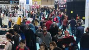 2.Şanlıurfa Kitap Fuarında Ziyaretçi Sayısı 200 Bine Ulaştı