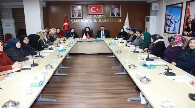 Açanal AK Partili Kadınlar İle Toplantı Yaptı