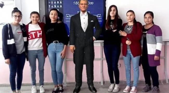 Atatürk sevgisi fotoğraflara yansıyor