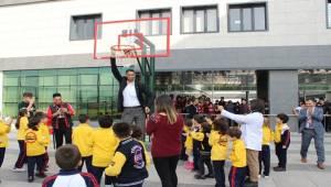 Dünyanın En Uzun Adamı Şanlıurfa'ya Geldi