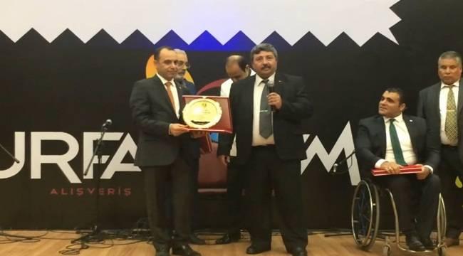 Kamil Güler'e Yılın Yerel Gazetecisi Ödülü Verildi