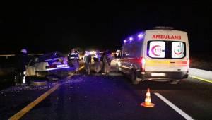 Köpeğe çarpmamak için direksiyonu kırdı, 2'si ağır 7 kişi yaralandı